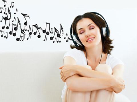 Âm nhạc, đọc sách, dành thời gian bên cạnh người thân là những thứ thức ăn tinh thần vô giá cho bệnh nhân ung thư