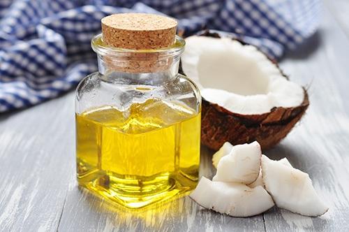 Ngăn ngừa lão hóa da với dầu dừa: U40 da vẫn trắng hồng, mịn màng