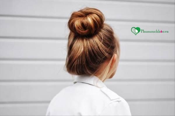 Dạy làm tóc đẹp đơn giản cho bạn gái đi chơi ngày Noel - Ảnh 1