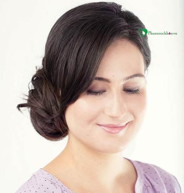 Dạy làm tóc đẹp đơn giản cho bạn gái đi chơi ngày Noel - Ảnh 2