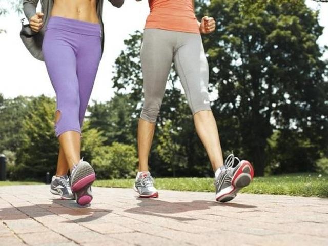 Đi bộ giảm mỡ bụng rất tốt
