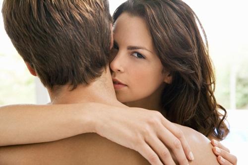 8 'điểm vàng' làm tăng ham muốn của chàng nếu được nàng kích thích - Ảnh 2