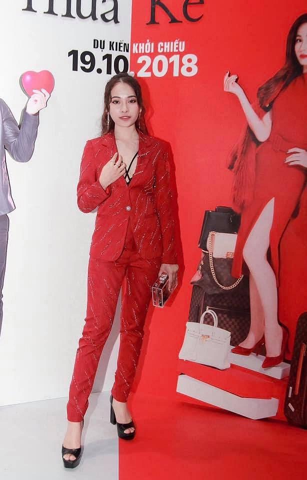 Hiếm hoi xuất hiện, bạn gái Dương Khắc Linh bị chê diện trang phục lố bịch và quê mùa - Ảnh 12