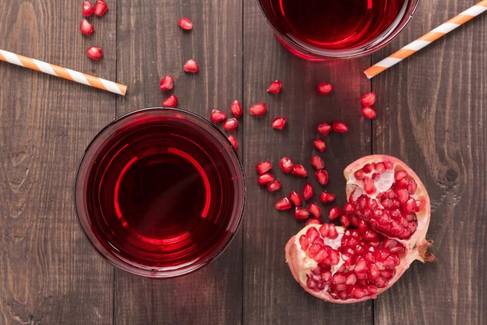hàm lượng flavones nhiều trong lựu cũng đóng vai trò quan trọng đối với sức khỏe cương dương