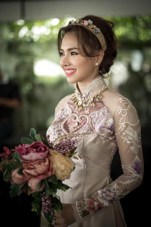 Một năm hỷ sự, sao Việt nào mặc đồ truyền thống đẹp nhất - Ảnh 9
