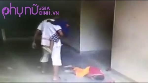 Clip: Người đàn ông liên tục 'tung cước' đạp vào đầu cậu bé 7 tuổi khiến cư dân mạng phẫn nộ - Ảnh 4