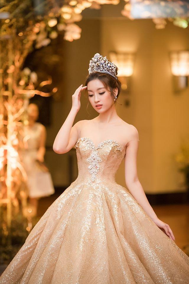 Từ một hoa hậu nhạt nhòa, Đỗ Mỹ Linh đã làm những gì để nhận được sự ủng hộ lớn đến thế tại Miss World 2017? - Ảnh 1