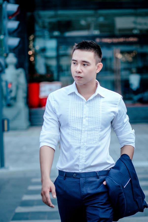 Sau khi bị chủ nợ của mẹ vây chém, hành động của Top 3 Vietnam Idol 2014 Đông Hùng khiến nhiều người chua xót - Ảnh 2