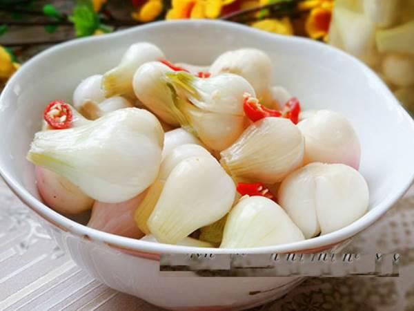 Cách muối dưa hành chua ngon chỉ 5-6 ngày là ăn được - Ảnh 1