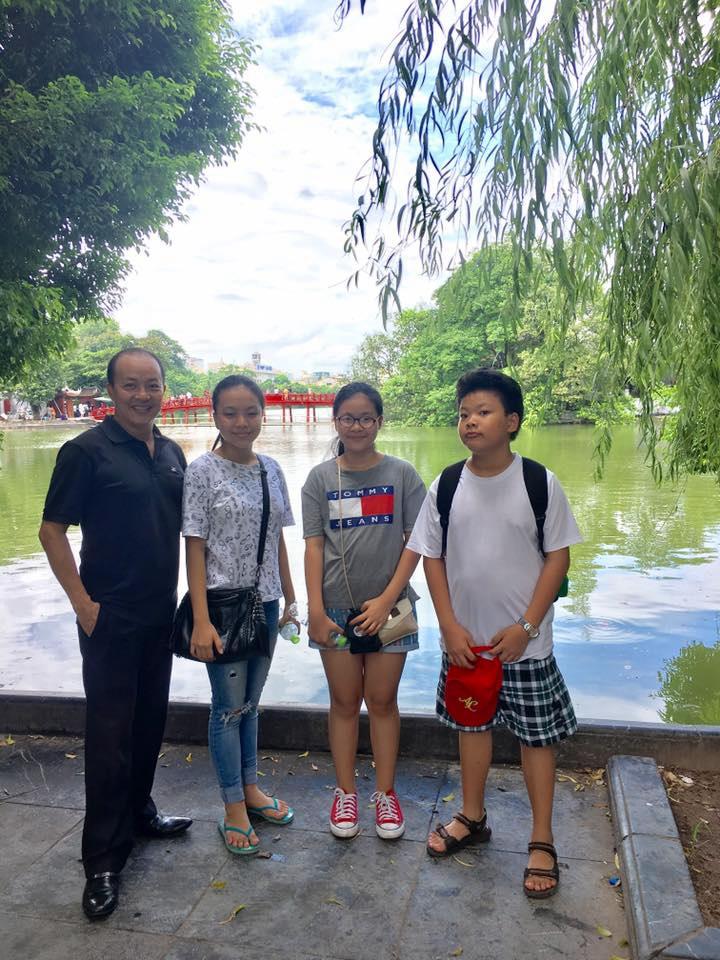Cuộc sống của những gia đình đông con nhất showbiz Việt - Ảnh 4