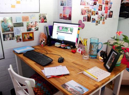 Đừng đặt 4 thứ này lên bàn làm việc nếu không muốn sớm thất nghiệp - Ảnh 1
