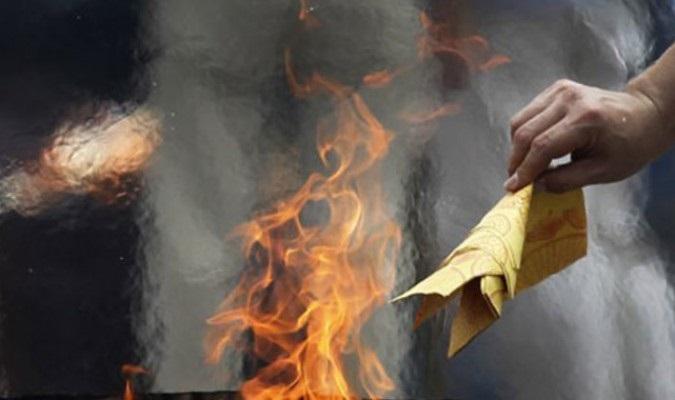 Đừng hỏi vì sao bạn bị người âm đeo bám, thế lực tâm linh làm phiền nếu đốt những thứ cấm kỵ này - Ảnh 1