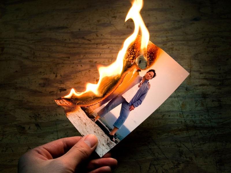 Đừng hỏi vì sao bạn bị người âm đeo bám, thế lực tâm linh làm phiền nếu đốt những thứ cấm kỵ này - Ảnh 2