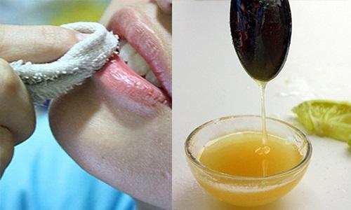 Cách trị thâm môi tại nhà bằng quả chanh