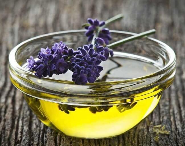Tự làm 5 loại serum dưỡng tóc dài suôn mượt, óng ả vào mùa đông - Ảnh 1