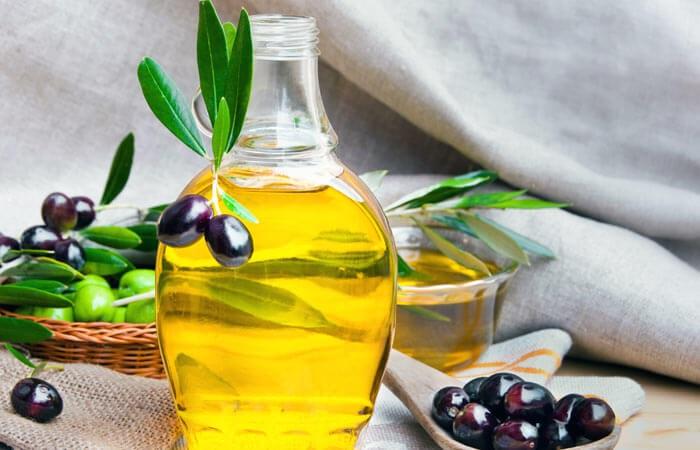 Mẹo dưỡng trắng da toàn thân đẹp quyến rũ với muối biển và dầu oliu