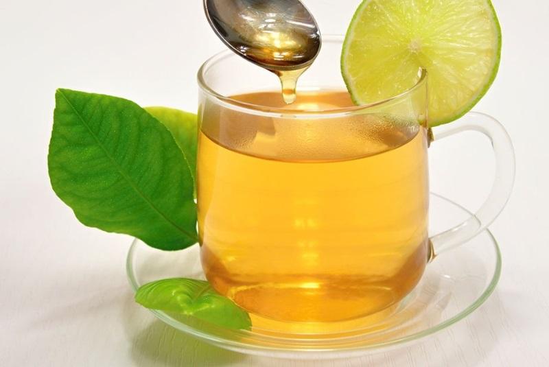Dưỡng trắng da toàn thân tự nhiên bằng trà xanh và mật ong cho da khoẻ mạnh, chống oxi hoá hiệu quả