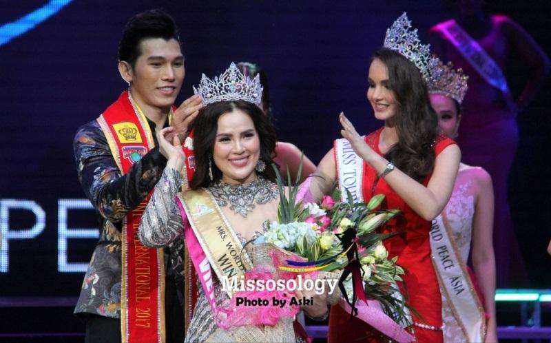 Bị 'ném đá' không biết tiếng Anh, Dương Yến Ngọc vẫn đăng quang Hoa hậu Quý bà Hòa bình châu Á 2017 - Ảnh 3