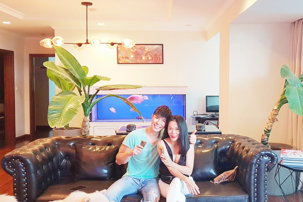 Mỹ Lệ thích thú khám phá villa 2 triệu USD xa hoa bậc nhất Sài thành của Nathan Lee - Ảnh 1