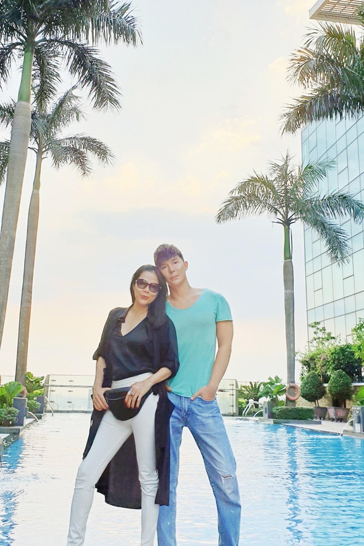 Mỹ Lệ thích thú khám phá villa 2 triệu USD xa hoa bậc nhất Sài thành của Nathan Lee - Ảnh 9