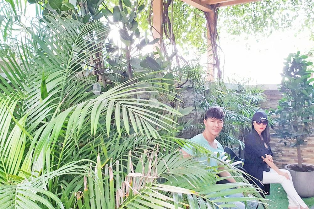 Mỹ Lệ thích thú khám phá villa 2 triệu USD xa hoa bậc nhất Sài thành của Nathan Lee - Ảnh 4