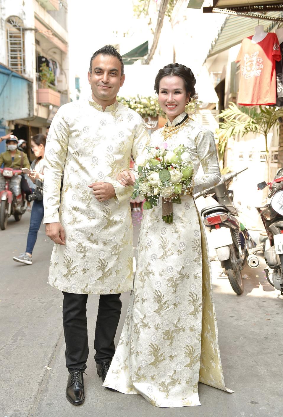 'Lóa mắt' nhìn Võ Hạ Trâm đeo vàng nặng trĩu trong hôn lễ cùng chồng doanh nhân Ấn Độ - Ảnh 12