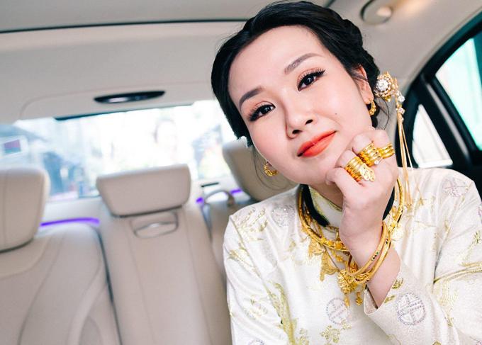 'Lóa mắt' nhìn Võ Hạ Trâm đeo vàng nặng trĩu trong hôn lễ cùng chồng doanh nhân Ấn Độ - Ảnh 5