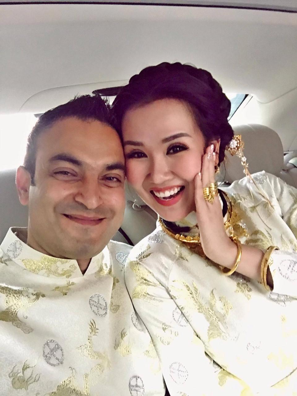 'Lóa mắt' nhìn Võ Hạ Trâm đeo vàng nặng trĩu trong hôn lễ cùng chồng doanh nhân Ấn Độ - Ảnh 6