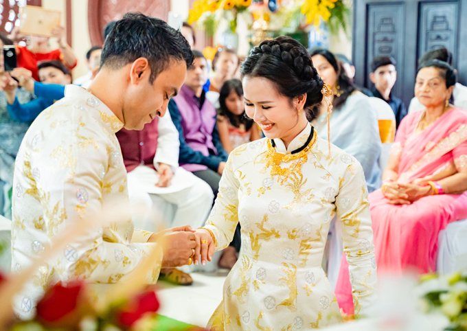 'Lóa mắt' nhìn Võ Hạ Trâm đeo vàng nặng trĩu trong hôn lễ cùng chồng doanh nhân Ấn Độ - Ảnh 8