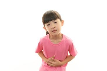 Bác sĩ Nhi chỉ ra những nguyên nhân và độ tuổi chủ yếu trẻ rất dễ bị táo bón - Ảnh 1