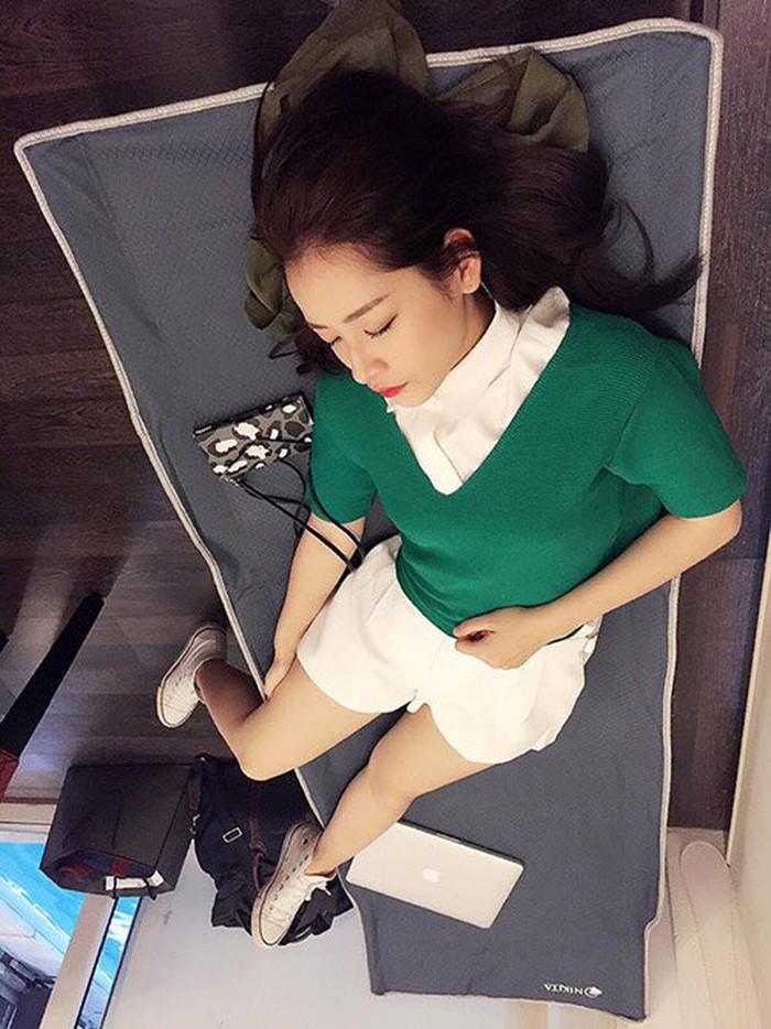 Có ai được như các mỹ nhân Việt này!... Ngủ gật cũng đẹp hết phần thiên hạ - Ảnh 12