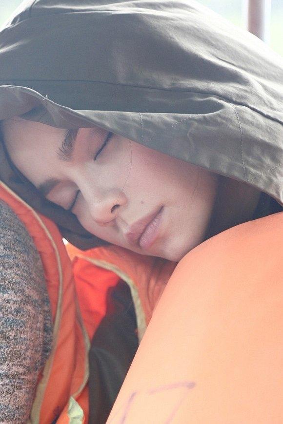 Có ai được như các mỹ nhân Việt này!... Ngủ gật cũng đẹp hết phần thiên hạ - Ảnh 5