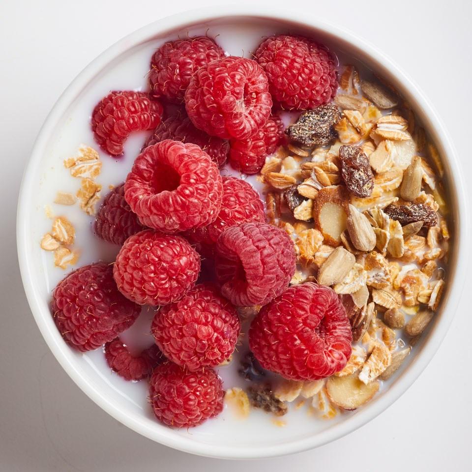 Muốn cả đời tránh mặt ung thư nên ăn nhiều 6 'thần dược' sau - Ảnh 1