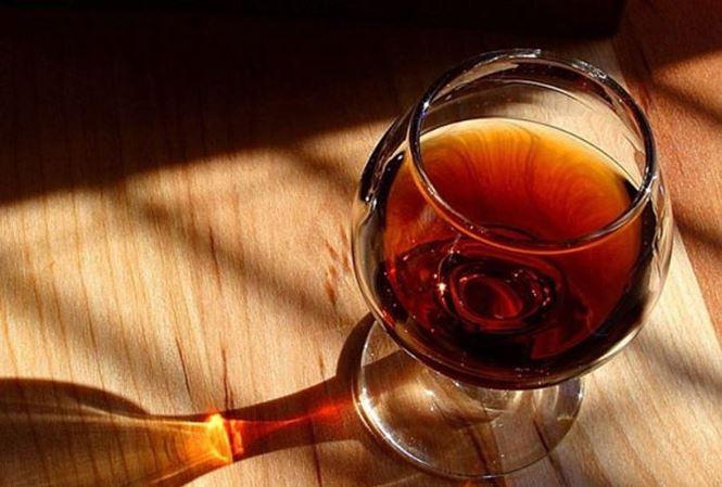 Những bệnh ung thư có 'nguồn gốc' từ thức uống nhiều người Việt nghiện - Ảnh 1