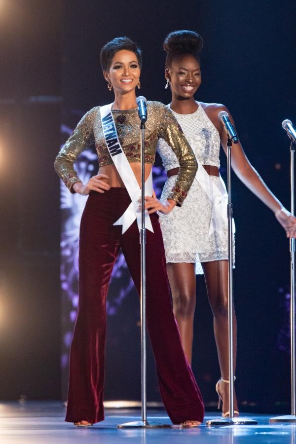 12 tuyệt tác giúp H'Hen Niê từ chân dài vô danh đến Top 5 Miss Universe 2018 - Ảnh 1