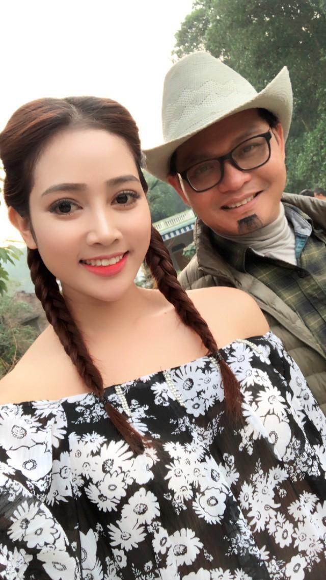 Vợ kém 19 tuổi của NSND Trung Hiếu sở hữu nhan sắc xinh như hot girl - Ảnh 1