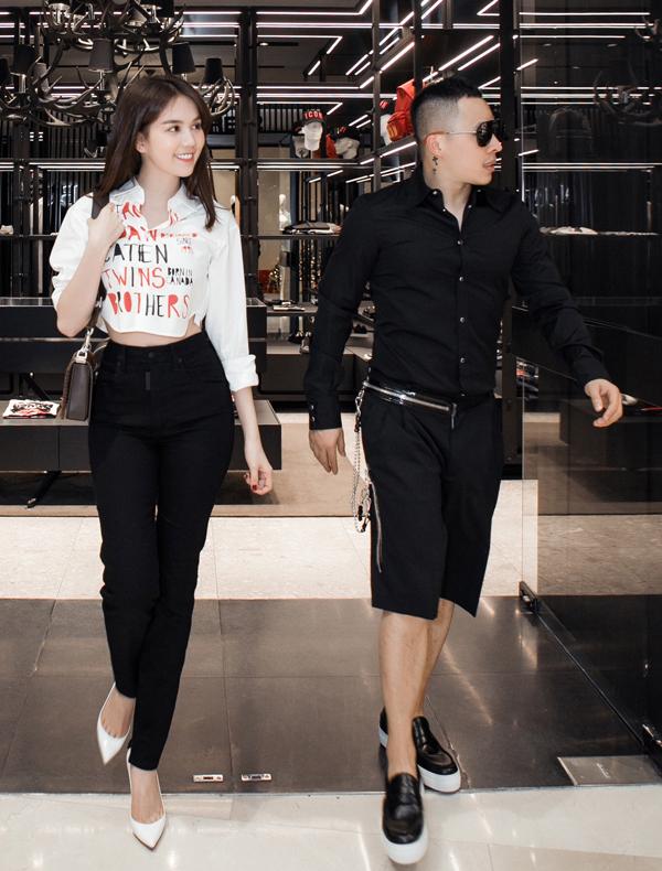 'Nữ hoàng nội y' khoe dáng 'nuột nà' bên ông bầu Khắc Tiệp trước khi tham dự Milan Fashion Week - Ảnh 3