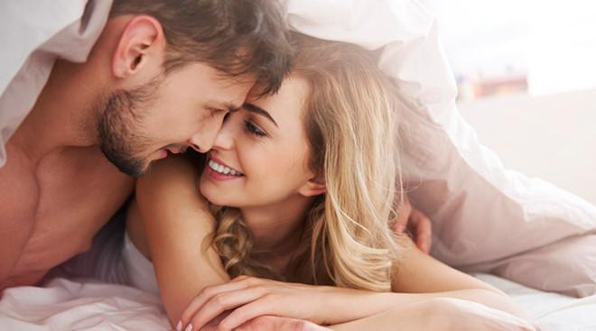 Việc duy trì tần suất quan hệ đều đặn sẽ giúp cải thiện mối quan hệ của hai bạn