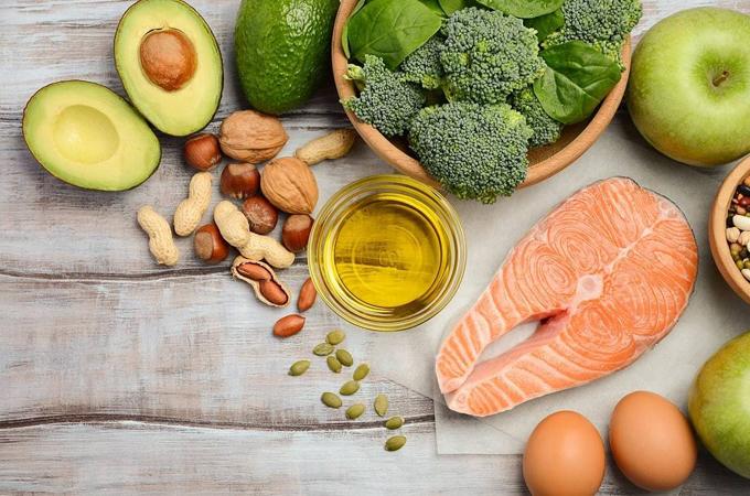 Cá hồi, trứng... là những nguồn collagen dồi dào có ích cho sức khỏe, làn da.