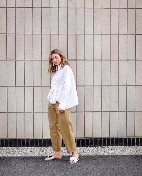 Ngoài váy dài, đầm dáng suông phái đẹp có thể chọn thêm các kiểu áo sơ mi free size để phối cùng quần ống lửng, quần đáy thụng.