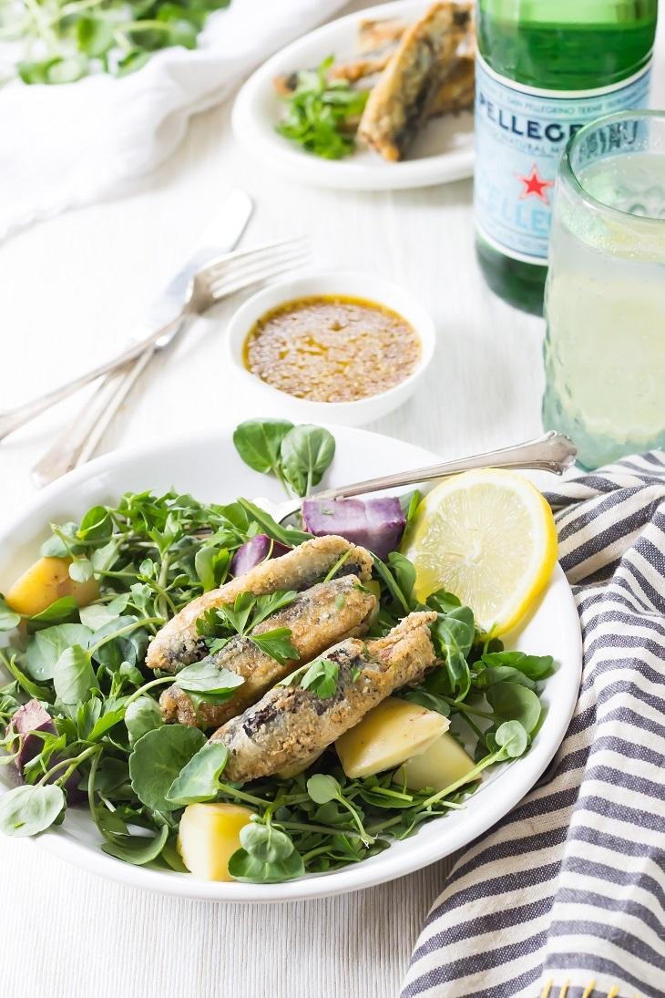 Các loại cá, đặc biệt là cá hồi, cá ngừ rất giàu omega 3, có tác dụng trẻ hóa làn da, cải thiện sắc tố, làm chậm quá trình hình thành nếp nhăn.