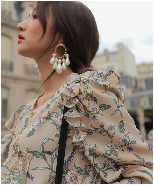Những hạt ngọc trai to bản với các thiết kế mới lạ đem đến kiểu phụ kiện vừa cổ điển nữ tính mà vẫn phá cách