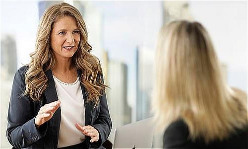 Chuyên gia tư vấn tài chính 51 tuổi Helen Baker nói rằng rất nhiều phụ nữ không hề chuẩn bị trước cho mình về tiền bạc trước khi ly hôn nên dễ khủng hoảng sau đó. Ảnh: Supplied.