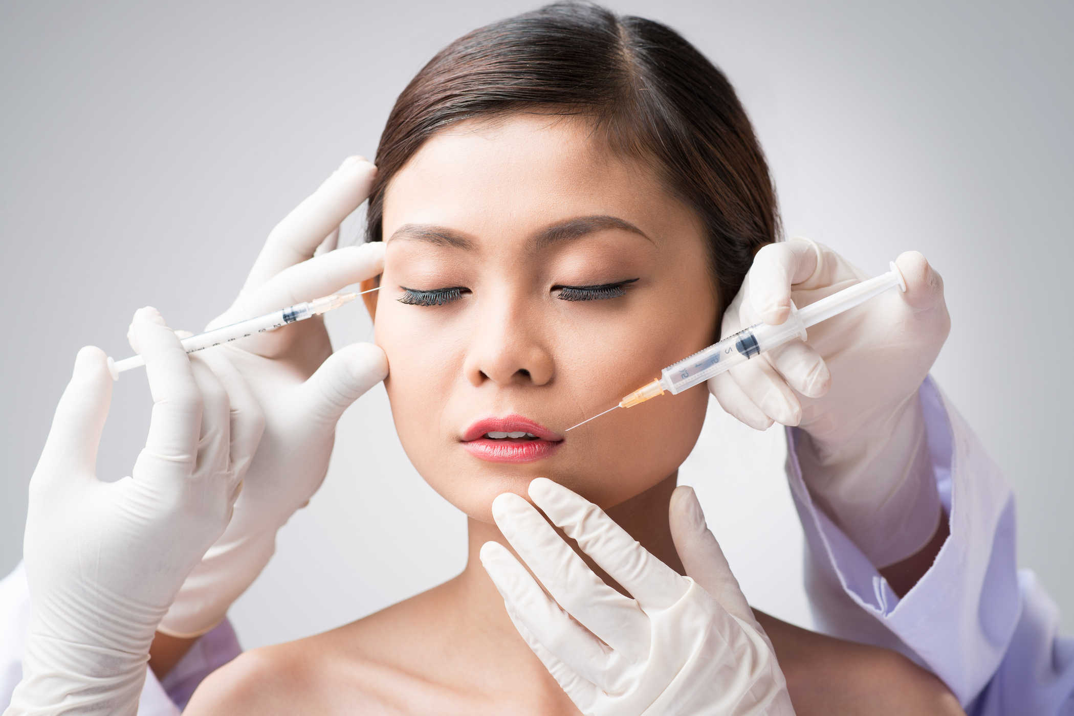 Botox không thực sự làm biến mất các nếp nhăn mà chỉ khiến quá trình co cơ không diễn ra trong thời gian tiêm mà thôi