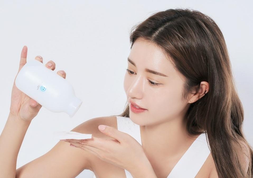 Khi bạn dùng loại toner phù hợp, da không những được bổ sung thêm độ ẩm mà còn được cân bằng, giúp các sản phẩm sau đó thẩm thấu hiệu quả hơn