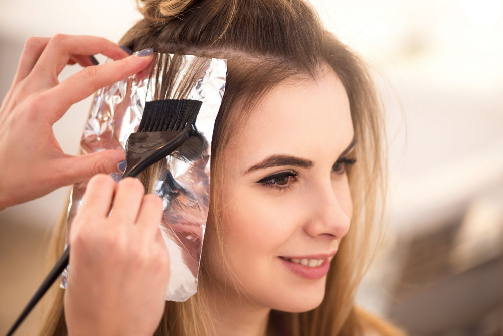 Sau 5-6 tháng mới nên nhuộm tóc lại để da đầu có thời gian nghỉ ngơi, phục hồi