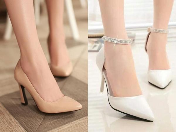 Một đôi giày cao gót màu nude hoặc trắng chính là sự lựa chọn hoàn hảo đối với những chị em công sở lười thay giày mỗi ngày nhưng vẫn muốn phù hợp với set đồ của mình