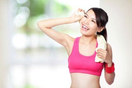 Thường xuyên chơi thể thao, tập thể dục đều đặn chính là chìa khóa để duy trì một thân hình cân đối và một cơ thể khỏe mạnh vào mùa đông