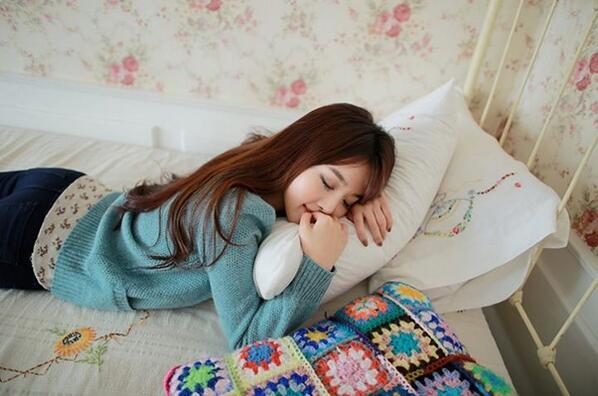 Hạn chế ngủ nướng chính là phương pháp đơn giản để kiểm soát cân nặng tốt vào mùa đông