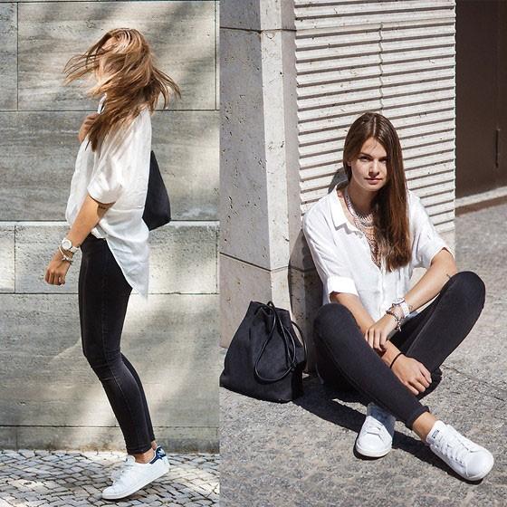 Sơ mi trắng, quần kaki và sneakers trắng hứa hẹn sẽ mang đến cho chị em 1 set đồ vô cùng trẻ trung và trendy